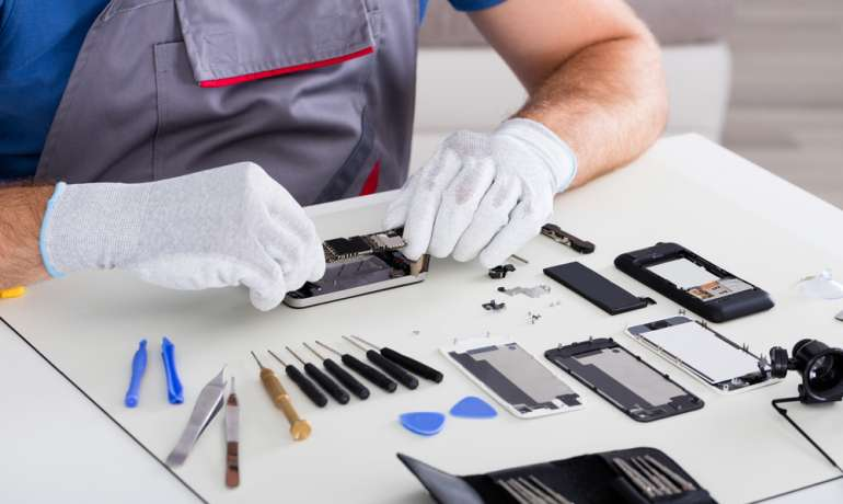 Advantages of Hiring Experts for mobile phone repairs Auckland
